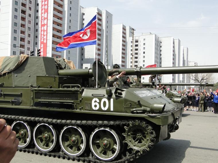 http://www.qsl.net/ah6hy/PyongyangMilitaryParade06.jpg