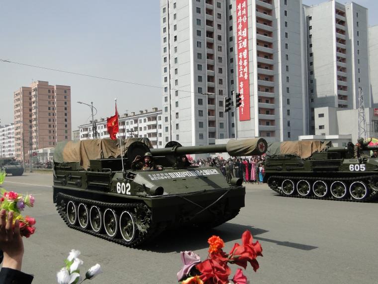http://www.qsl.net/ah6hy/PyongyangMilitaryParade07.jpg