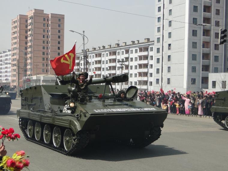 http://www.qsl.net/ah6hy/PyongyangMilitaryParade11.jpg