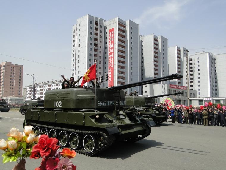 http://www.qsl.net/ah6hy/PyongyangMilitaryParade13.JPG