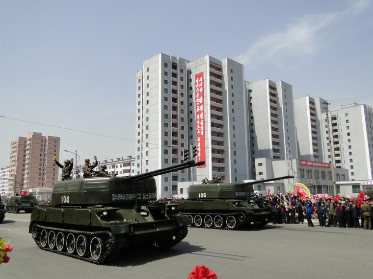 http://www.qsl.net/ah6hy/PyongyangMilitaryParade15.JPG