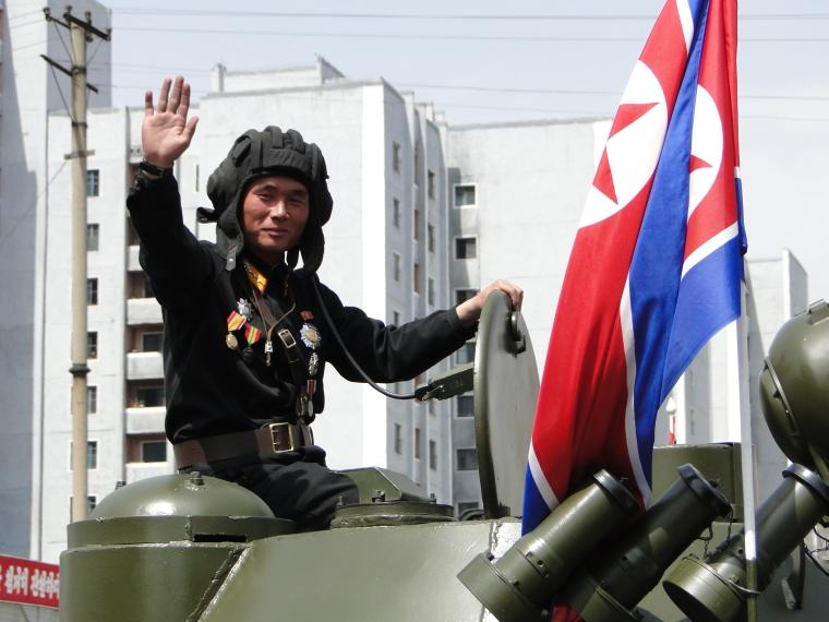 http://www.qsl.net/ah6hy/PyongyangMilitaryParade21.JPG