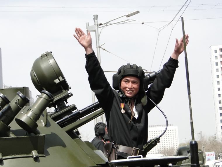 http://www.qsl.net/ah6hy/PyongyangMilitaryParade22.JPG