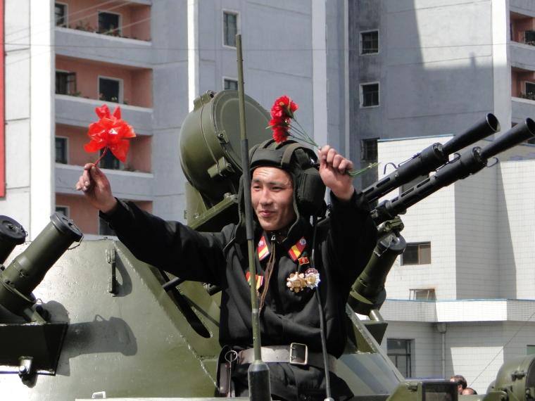 http://www.qsl.net/ah6hy/PyongyangMilitaryParade23.JPG