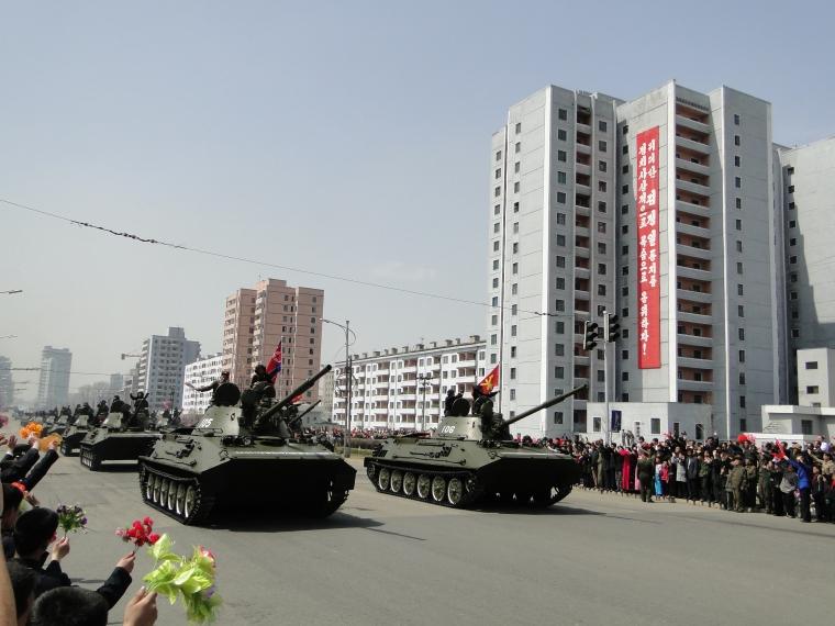 http://www.qsl.net/ah6hy/PyongyangMilitaryParade27.JPG