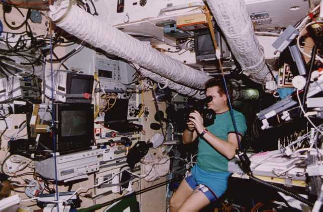 mir space station inside - photo #10