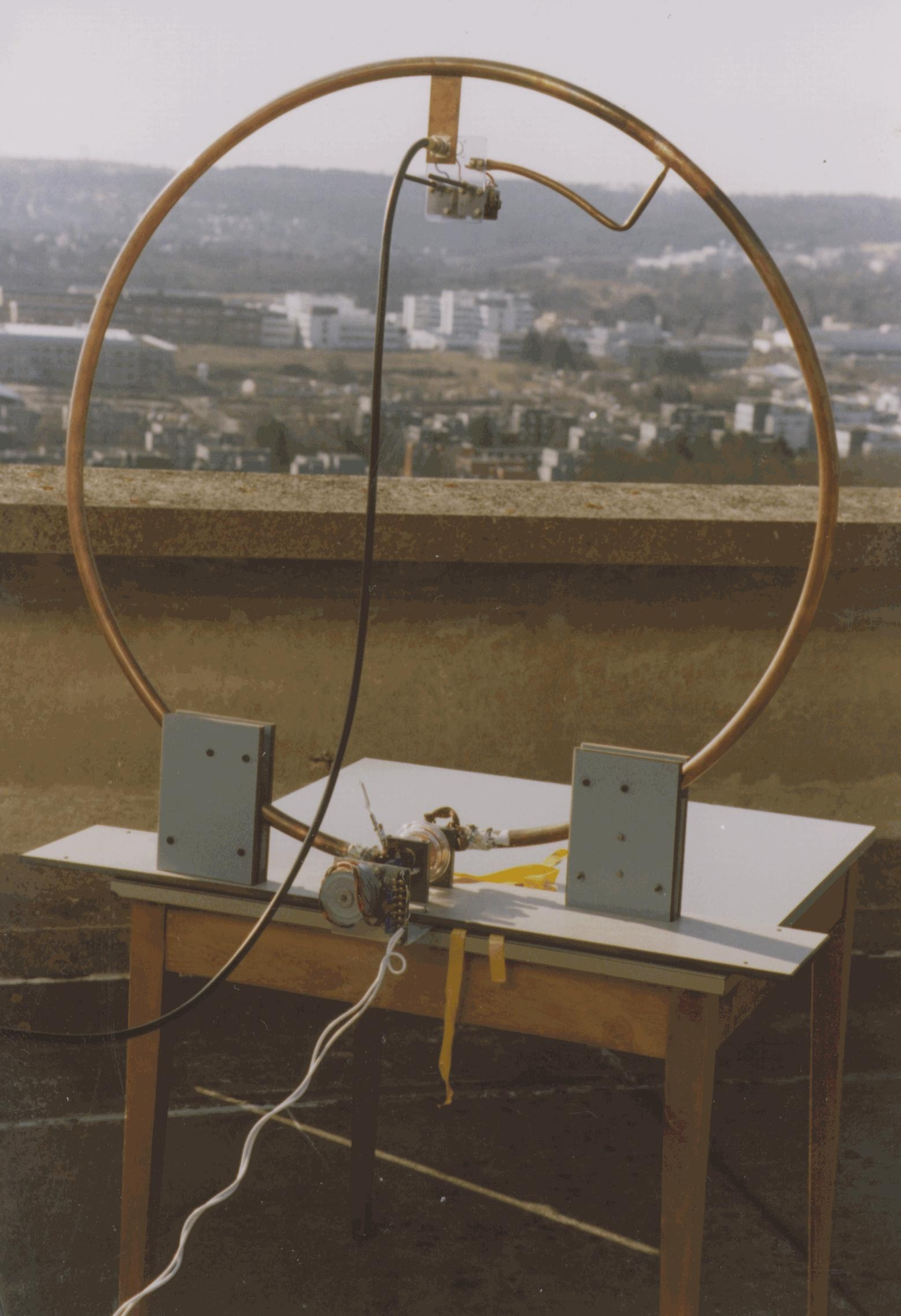 DJ3TZ's Small Tuned Loop Antenna Page