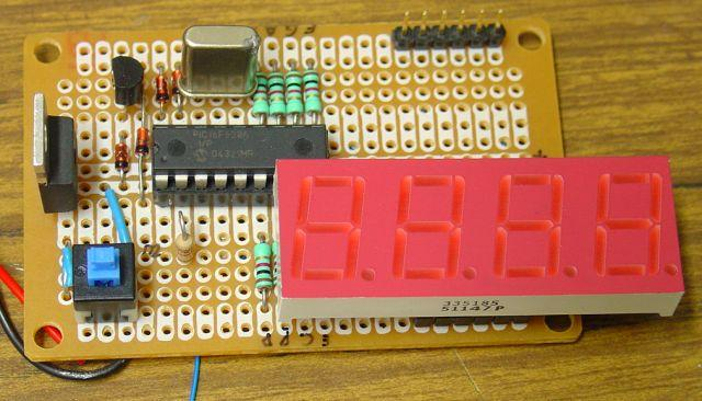 Frequency counter with PIC and 4- to 5-digit LED display