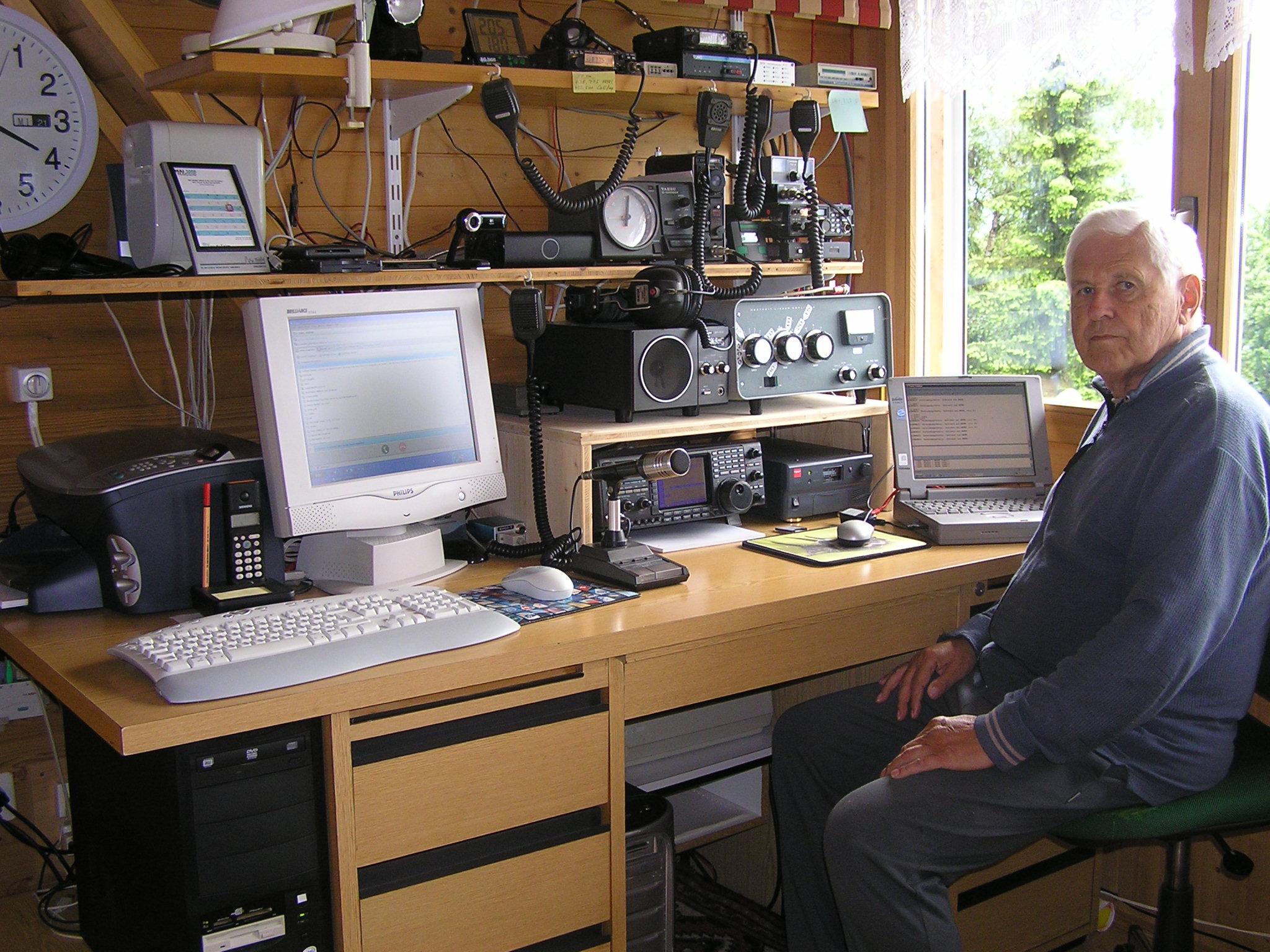 Amateur Radio Station Wb4omm: Amateur Radio Station HB9BZX
