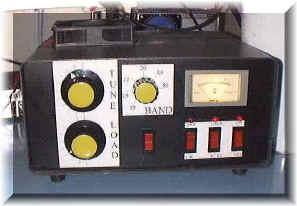 l'amplificatore nello shack di iz7ath per le prove finali