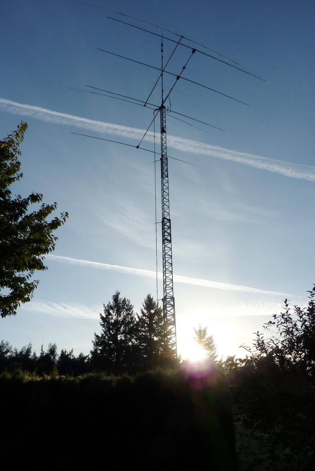 K7EM Tristao Crank up Tower TMS 771
