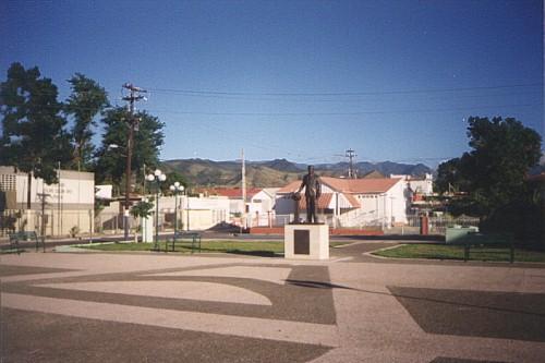 La Famosa PLAZITA con la Estatua de Luis Llorens Torres nuestro Poeta.