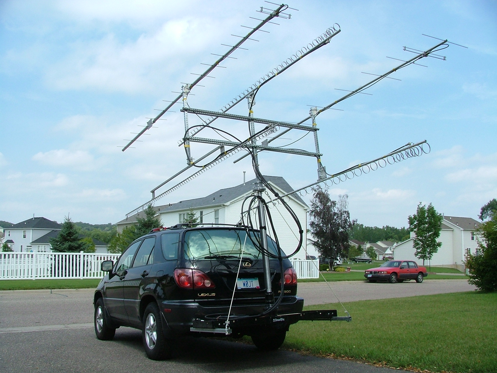 Big Wheel Antennas e moreover Uhf Vhf Frequencies Chart further Lite Link Portable Vhf Repeater Package also 141916419655 together with 295912 Anyone Recognize Vehicle. on two way radio vhf antenna